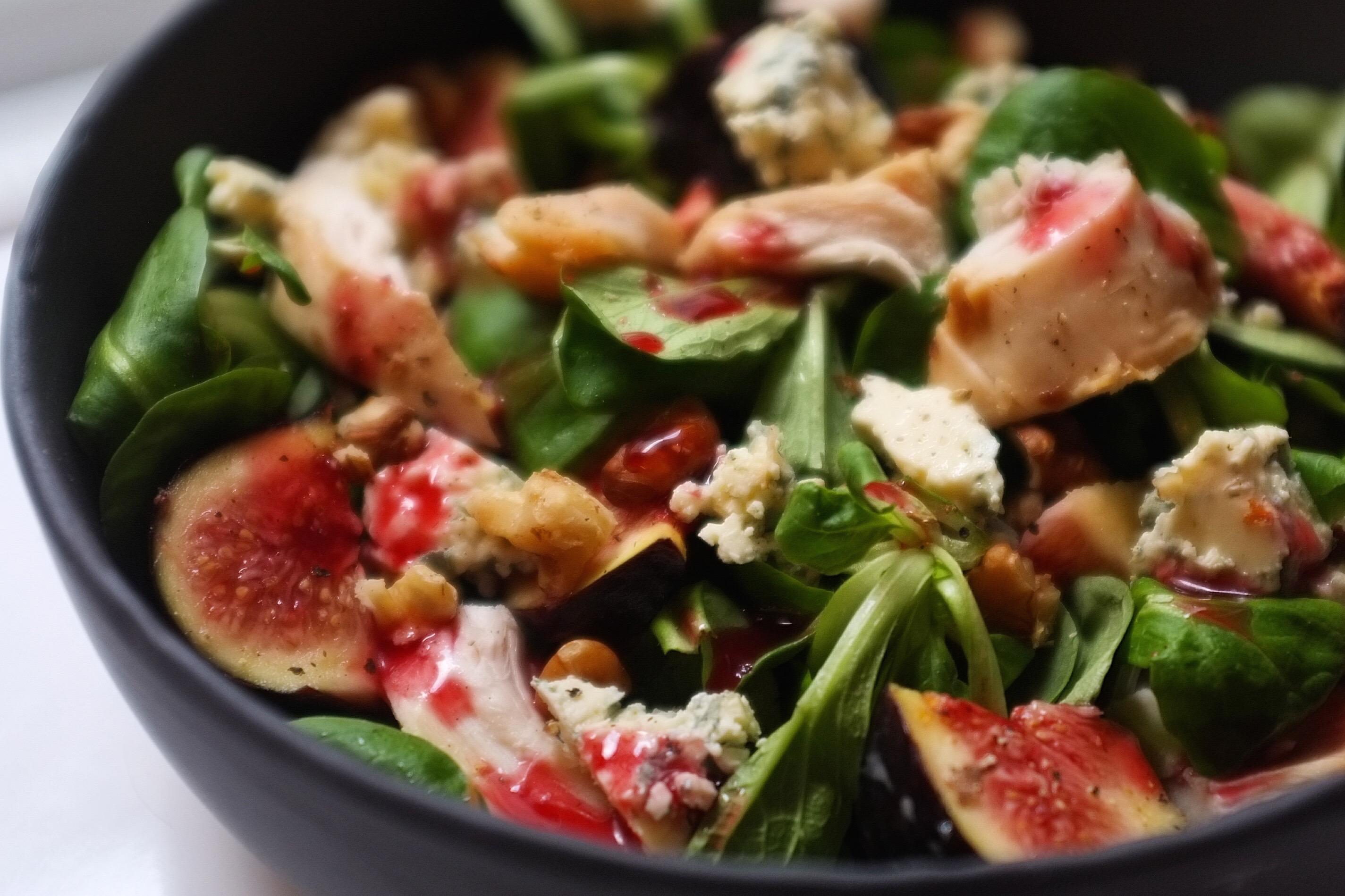 Salade d 39 automne au poulet figues noix et fourme d 39 ambert - Entree d automne ...